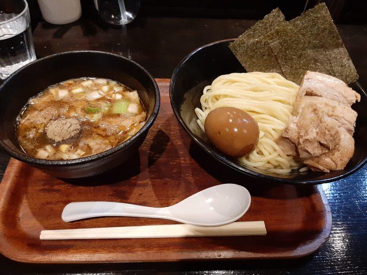 衝撃の旨さ!つけ麺&台湾まぜそばの『つけ麺屋しずく』で、濃厚魚介つけ麺を食べてみて、そう思った!