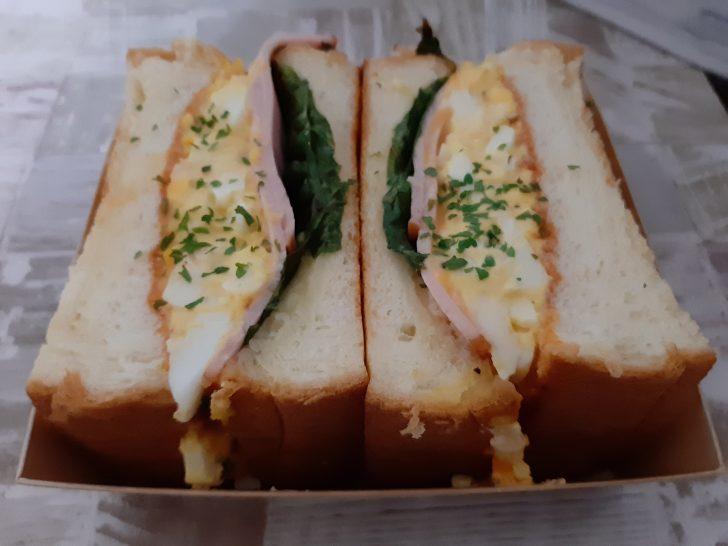 【開店情報】9/28青葉区の東一市場にOPENしたCafe&Bar『タイニーテーブル』のサンドウィッチをテイクアウトしてみた!